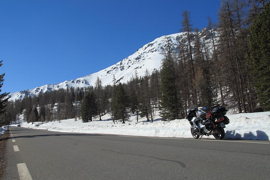 D902 start of high pass of Izoard