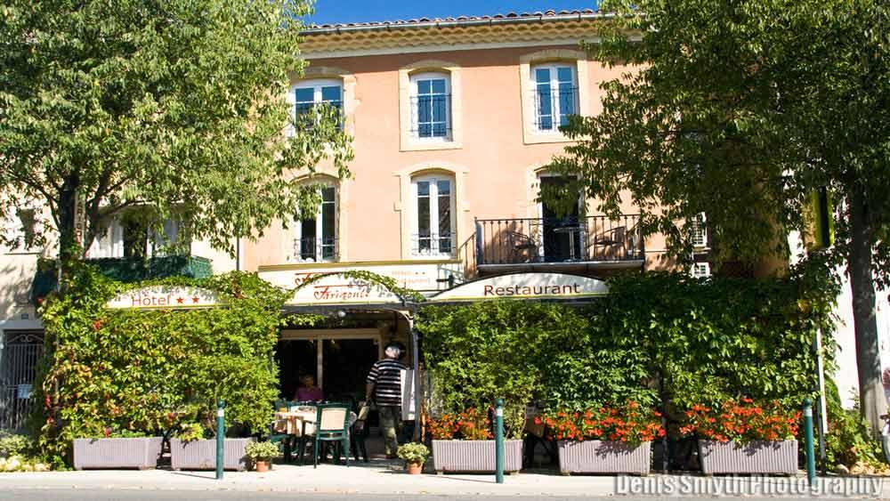 Hotel Restaurant La Farigoule in Sainte-Cécile-Les-Vignes